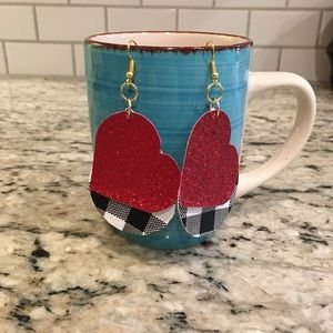 ❤️$8 or 2 for $14. Fun Faux leather earrings.